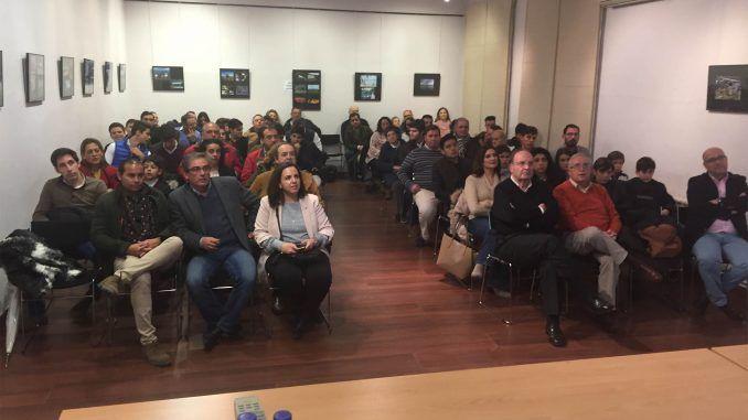 """Se colgó el cartel de """"no hay billetes"""" en la charla inaugural del nuevo curso de la Escuela Taurina de la Diputación"""