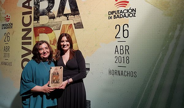 Catalina García, fue la encargada de recoger el galardón