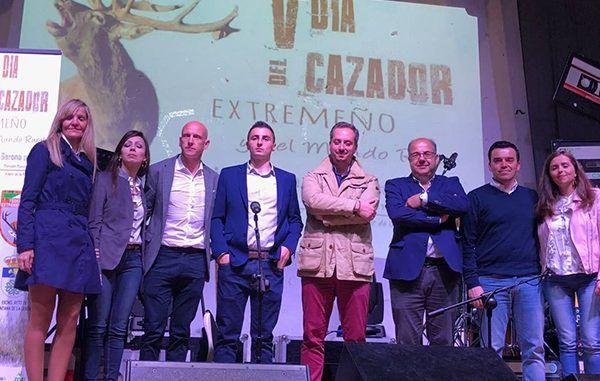 Muñoz ha reiterado que está ''sobradamente'' reconocido, que la caza es necesaria para equilibrar y controlar las poblaciones de fauna silvestre