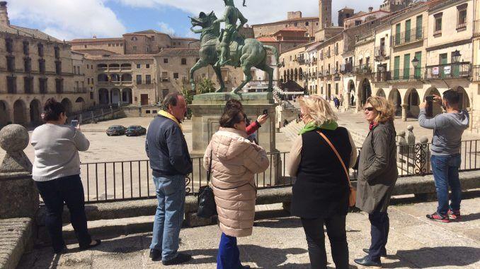 Agencias de viajes de EEUU descubren el patrimonio histórico y la gastronomía de Extremadura