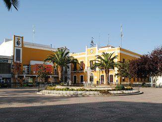 Plaza y ayuntamiento de Puebla de la Calzada