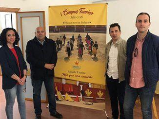 A la inauguración asistieron el alcalde del municipio y el coordinador de Tauromaquia del Patronato Provincial de Turismo y Tauromaquia.