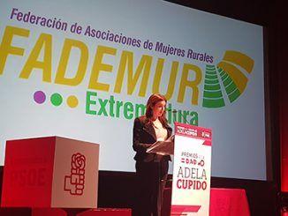 El acto, que ha tenido lugar este viernes en el Teatro Municipal de Montijo,